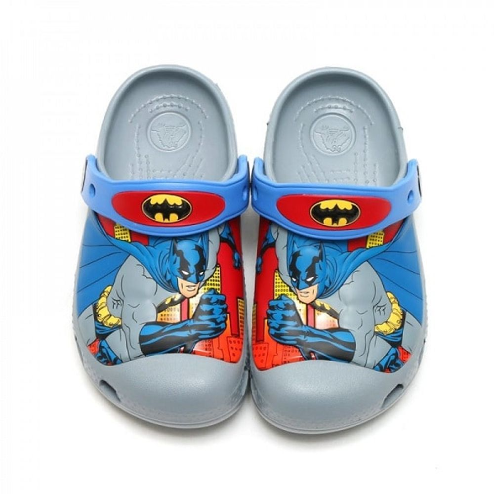 crocs-batman-clog-concrete